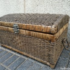 Antigüedades: BAUL O ARCON DE MIMBRE. Lote 88190454