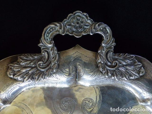 Antigüedades: Bandeja de plata batida con marcas de platero. Córdoba 1859. A. Castejón y J. de León. 42 cm. - Foto 7 - 88360076