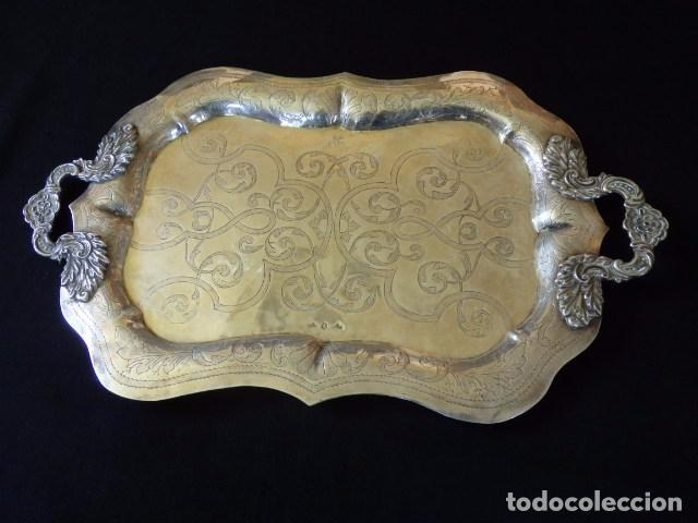 Antigüedades: Bandeja de plata batida con marcas de platero. Córdoba 1859. A. Castejón y J. de León. 42 cm. - Foto 9 - 88360076