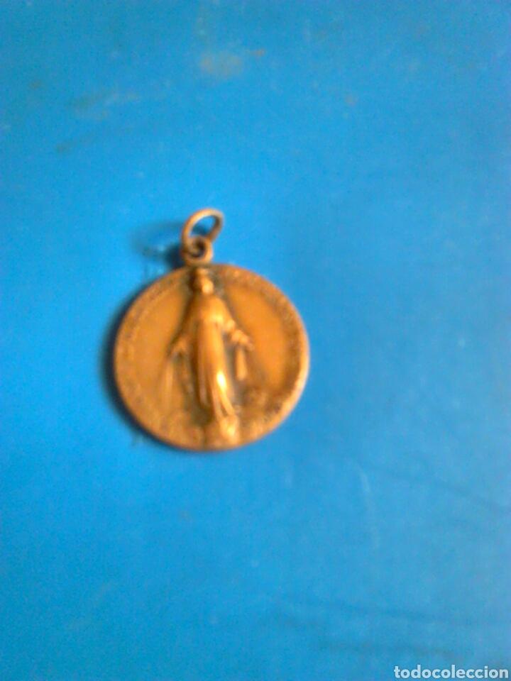 ANTIGUA MEDALLA,DESCONOZCO MATERIAL,VER FOTOS (Antigüedades - Religiosas - Medallas Antiguas)