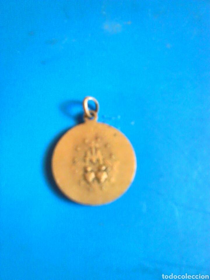 Antigüedades: Antigua medalla,desconozco material,ver fotos - Foto 2 - 88650772