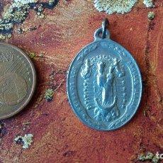 Antigüedades: ANTIGUA MEDALLA VIRGEN REINA DE LOS ANGELES ALAJAR RECUERDO DEL SANTUARIO PEÑA ARIAS MONTANO HUELVA. Lote 88716356