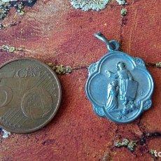 Antigüedades: MEDALLA DE SAN FRANCISCO DE ASÍS. CON BENDICIÓN EN EL REVERSO. Lote 88722288
