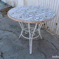 Antiquitäten - mesa de jardin en hierro y tablero de azulejos - 88742120