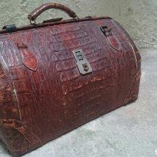 Antigüedades: MALETA GRANDE DE COCODRILO. Lote 88753215