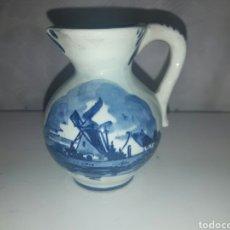 Antigüedades: JARRA DE PORCELANA HOLANDESA YOI DEIRN (DELFT) CON ILUSTRACIÓN DE UN PAISAJE CON UN MOLINO. Lote 88765682