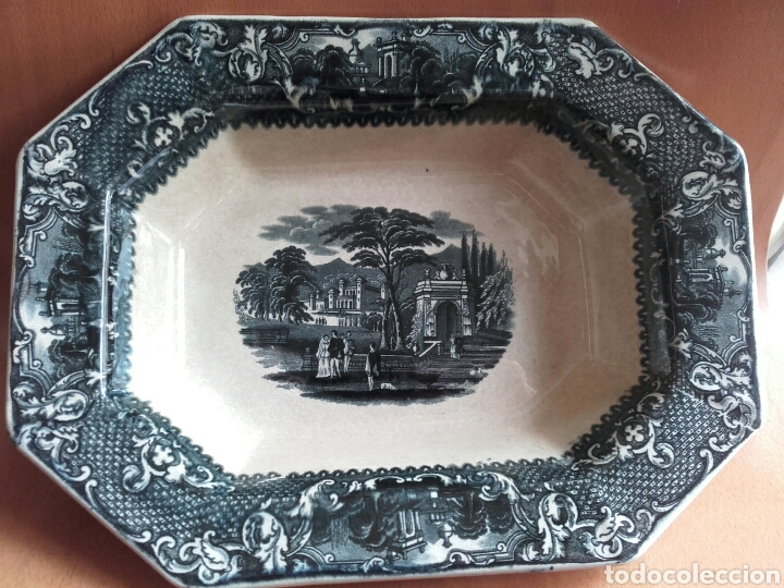 FUENTE OCHAVADA DE SAN JUAN DE AZNALFARACHE, SEVILLA. PERFECTO ESTADO. (Antigüedades - Porcelanas y Cerámicas - San Juan de Aznalfarache)