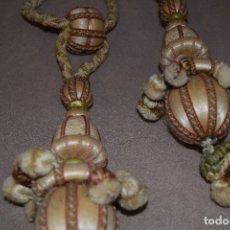 Antigüedades: 2 BORLAS - ALZA PAÑOS EN SEDA. Lote 88931716