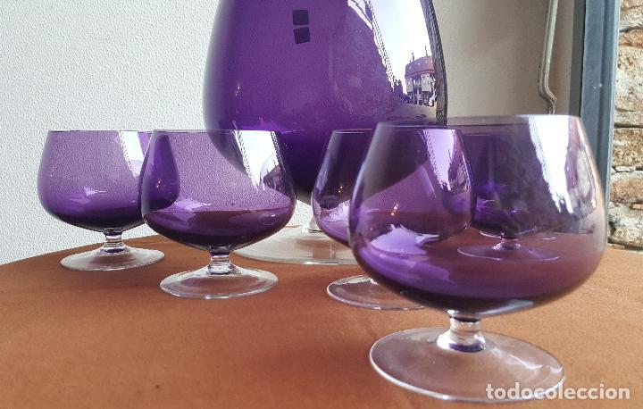 Antigüedades: Ponchera lila con copas. Precioso cristal vintage. - Foto 4 - 88965476