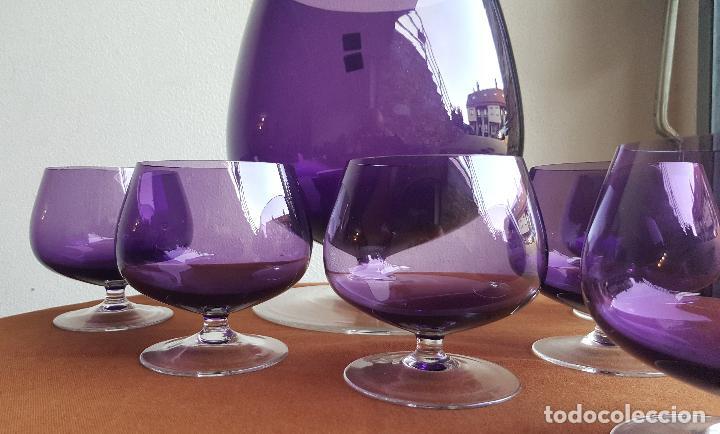 Antigüedades: Ponchera lila con copas. Precioso cristal vintage. - Foto 5 - 88965476