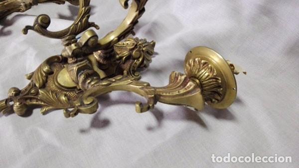 Antigüedades: APLIQUE PARED -ANTIGUA PAREJA DE APLIQUES DE BRONCE DE TRES BRAZOS - Foto 6 - 88965652