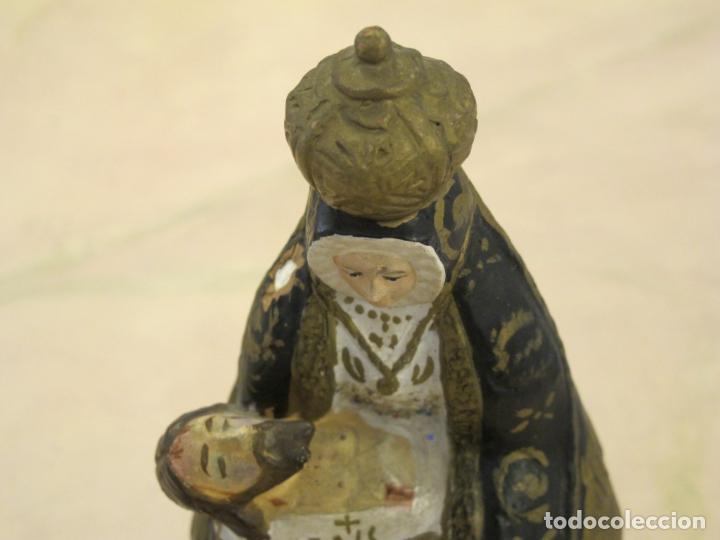 Antigüedades: FIgura de la Virgen sosteniendo a Jesús yaciente en su regazo - Foto 2 - 89007644