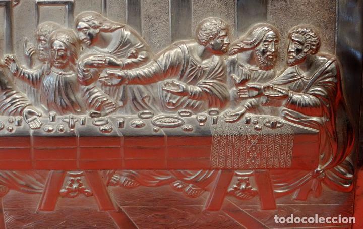 Antigüedades: JUAN ANTONI CASADESUS (Barcelona, act. 1ª mitad sig.xx) PLAFON DE LA SANTA CENA EN PLATA REPUJADA - Foto 2 - 89039992