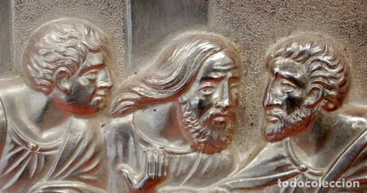 Antigüedades: JUAN ANTONI CASADESUS (Barcelona, act. 1ª mitad sig.xx) PLAFON DE LA SANTA CENA EN PLATA REPUJADA - Foto 4 - 89039992