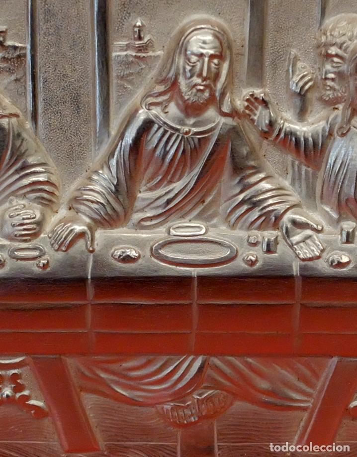 Antigüedades: JUAN ANTONI CASADESUS (Barcelona, act. 1ª mitad sig.xx) PLAFON DE LA SANTA CENA EN PLATA REPUJADA - Foto 7 - 89039992