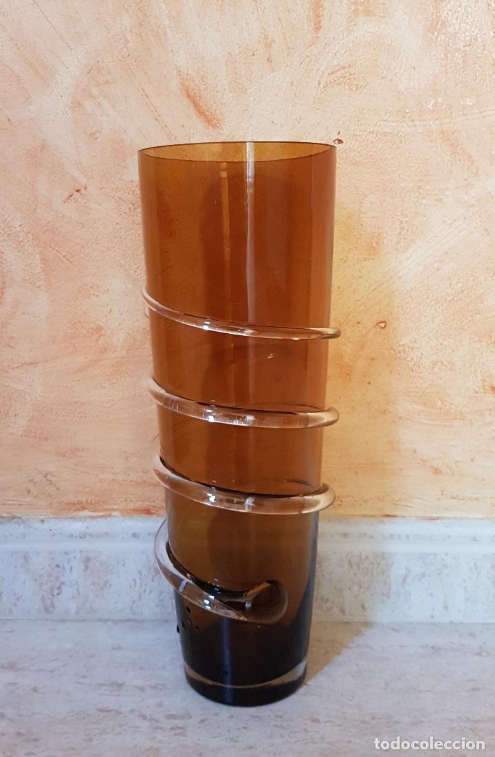 Antigüedades: Antiguo jarrón florero de estilo modernista en cristal soplado en tono ambar de diseño. - Foto 2 - 89053792