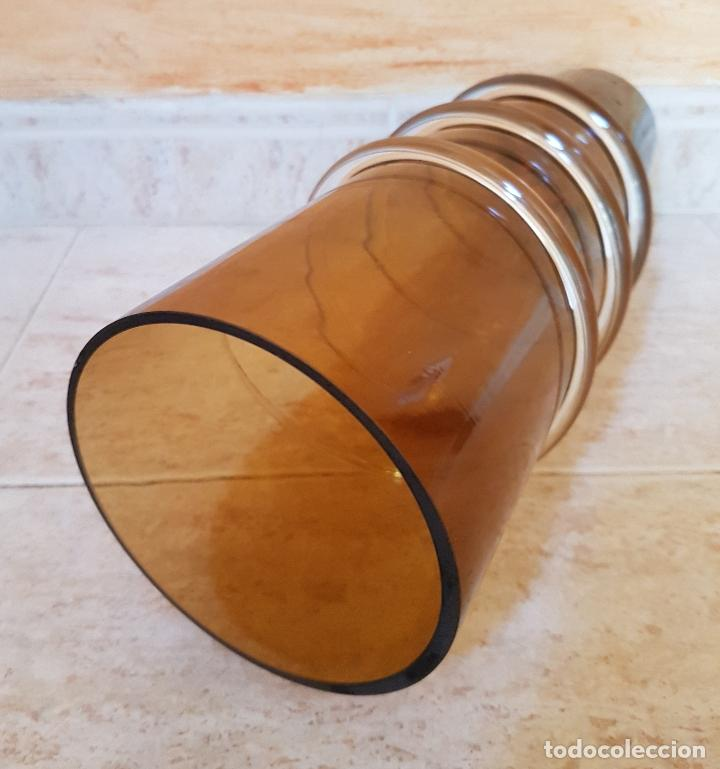 Antigüedades: Antiguo jarrón florero de estilo modernista en cristal soplado en tono ambar de diseño. - Foto 6 - 89053792