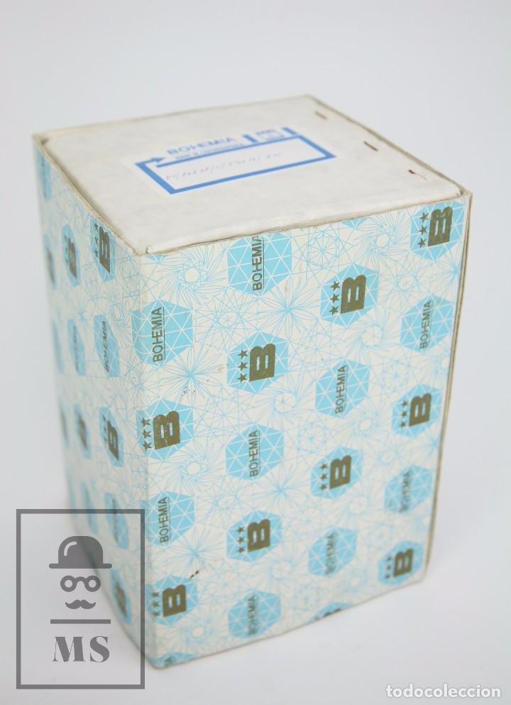 Antigüedades: Jarrón de Cristal de Bohemia - Tallado a Mano, 24% PbO - Caja Original - Checoslovaquia - Foto 3 - 89058024
