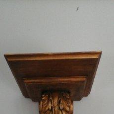 Antigüedades: GRAN MÉNSULA TALLADA EN MADERA Y PAN DE ORO. Lote 89065907