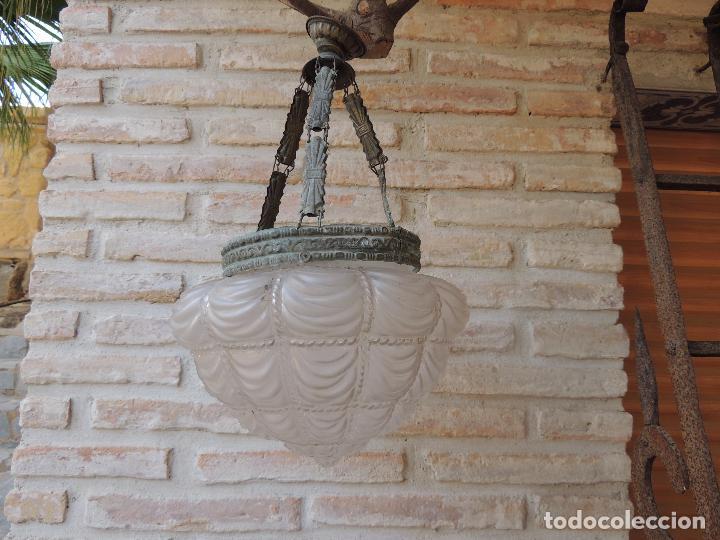 LAMPARA ANTIGUA CON UNA TULIPA MUY BONITA. (Antigüedades - Técnicas - Rústicas - Utensilios del Hogar)