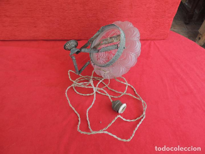 Antigüedades: LAMPARA ANTIGUA CON UNA TULIPA MUY BONITA. - Foto 3 - 124559007