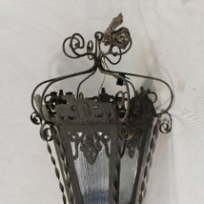 Antigüedades: LAMPARA DE TECHO FAROL ANTIGUO EN HIERRO DE FORJA Y CRISTALES. Lote 89113864
