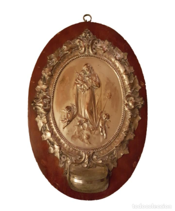 ANTIGUA BENDITERA DE SAN JOSÉ CON ANGELES O QUERUBINES, , CRISTAL, MADERA Y COBRE PLATEADO, (Antigüedades - Religiosas - Benditeras)