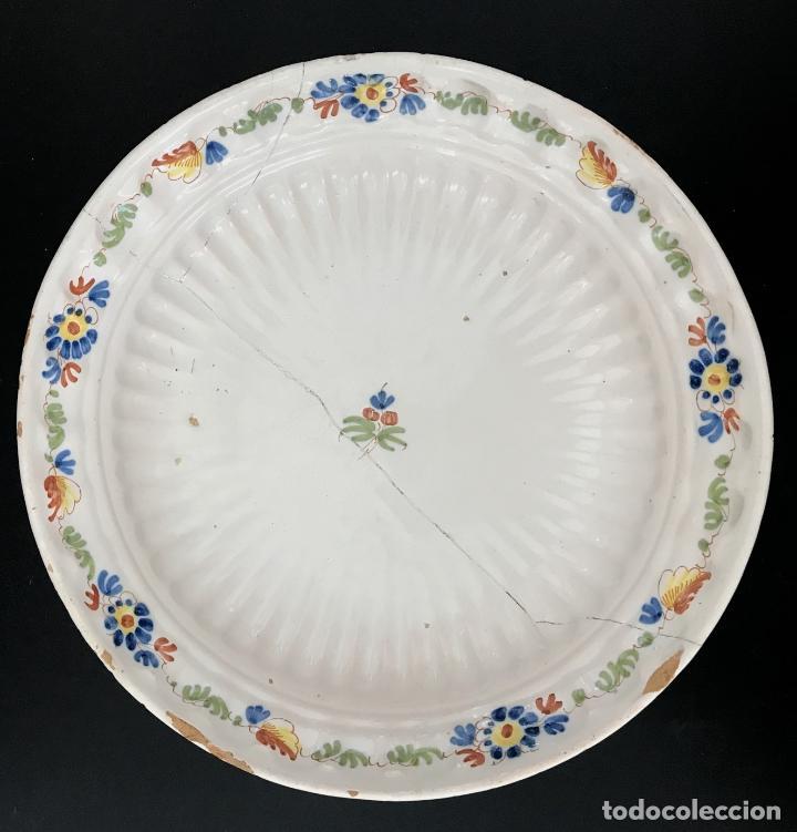 FUENTE DE ALCORA - SERIE DEL RAMITO - MARCADA CON A - S.XVIII (Antigüedades - Porcelanas y Cerámicas - Alcora)