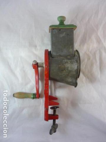 Antigüedades: Rallador de Pan Elma 1430B - Foto 2 - 89192840