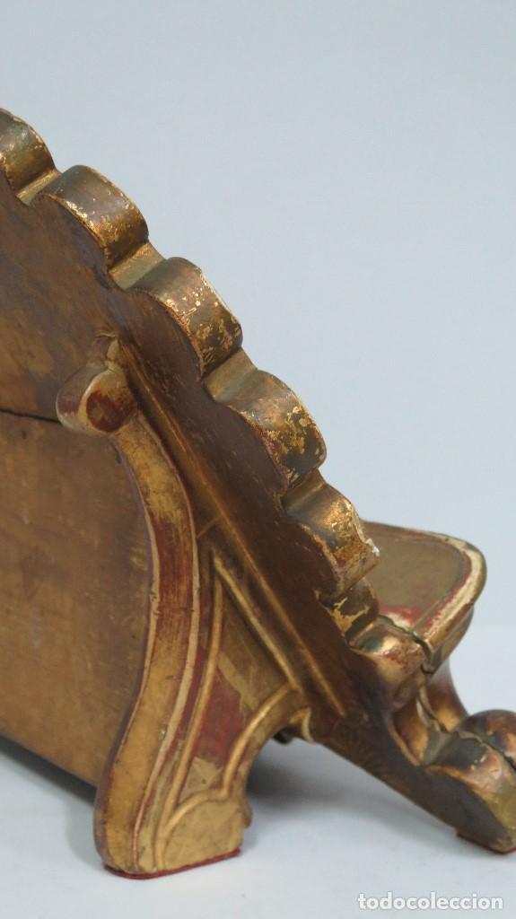 Antigüedades: ANTIGUO ATRIL DE MADERA EN PAN DE ORO EN FORMA DE CONCHA O VENERA. SIGLO XVIII - Foto 7 - 89214536