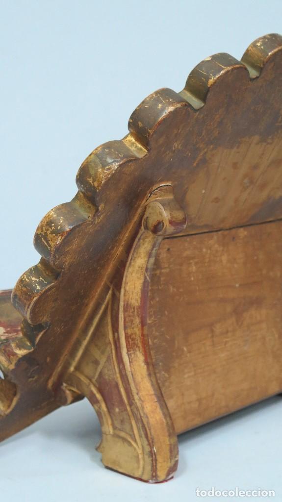 Antigüedades: ANTIGUO ATRIL DE MADERA EN PAN DE ORO EN FORMA DE CONCHA O VENERA. SIGLO XVIII - Foto 8 - 89214536