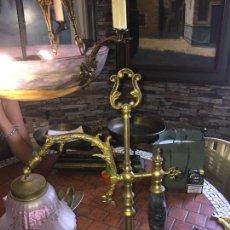 Antigüedades: ANTIGUA LAMPARA MESA BRONCE , MED S XX. Lote 89432348