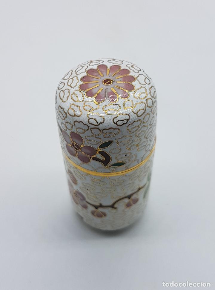 Antigüedades: Bello cofre cilindrico Chino en bronce con esmaltes cerámicos cloisonné, motivos de flor de cerezo . - Foto 4 - 89447528