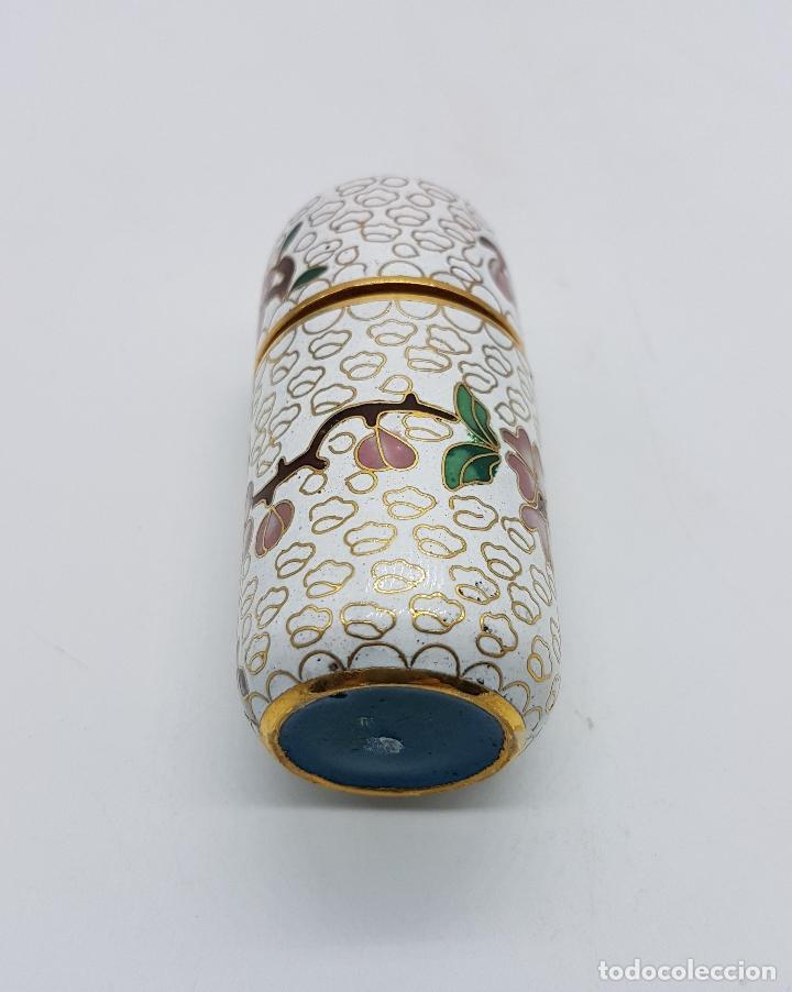 Antigüedades: Bello cofre cilindrico Chino en bronce con esmaltes cerámicos cloisonné, motivos de flor de cerezo . - Foto 5 - 89447528