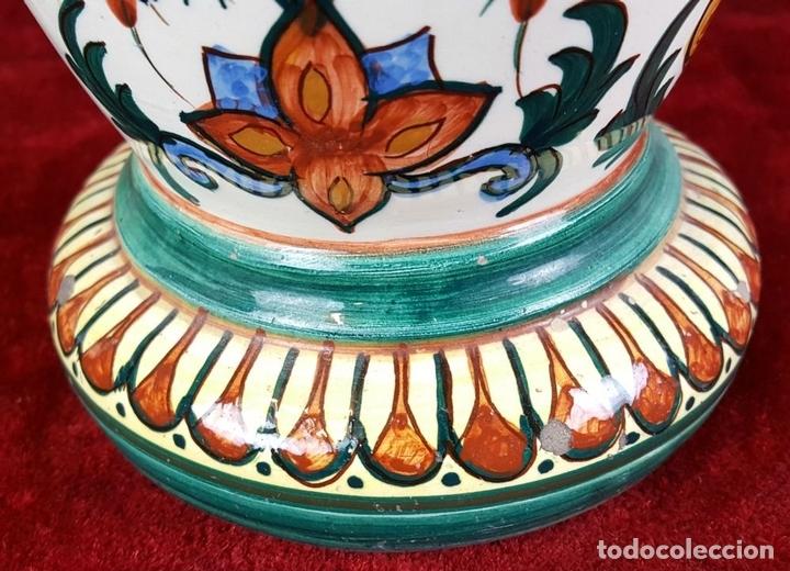 Antigüedades: JARRÓN EN CERÁMICA ESMALTADA. MOTIVOS FLORALES. PINTADO A MANO. CIRCA 1960. - Foto 7 - 89542912