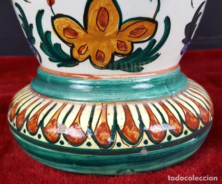 Antigüedades: JARRÓN EN CERÁMICA ESMALTADA. MOTIVOS FLORALES. PINTADO A MANO. CIRCA 1960. - Foto 13 - 89542912