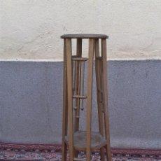 Antigüedades: MACETERO ANTIGUO DE MADERA NOGAL PINTADO EN DORADO, MACETERO ANTIGUO RETRO VINTAGE PEDESTAL MACETERO. Lote 89614688