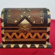 Antigüedades: CAJA COFRE JOYERO DE TARACEA GRANADINA. Lote 89641083