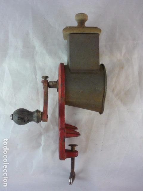 Antigüedades: Rallador Pan Elma 1444 - Foto 2 - 89694324