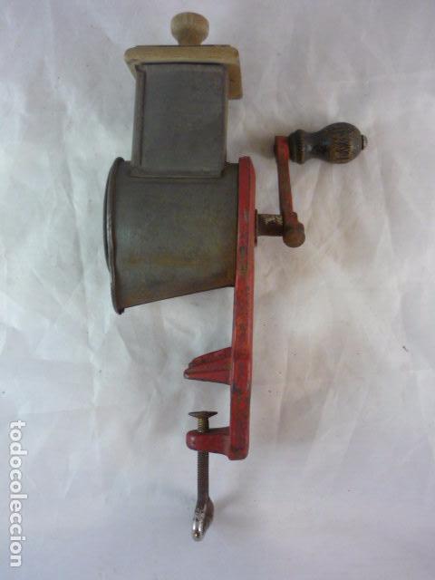 Antigüedades: Rallador Pan Elma 1444 - Foto 3 - 89694324