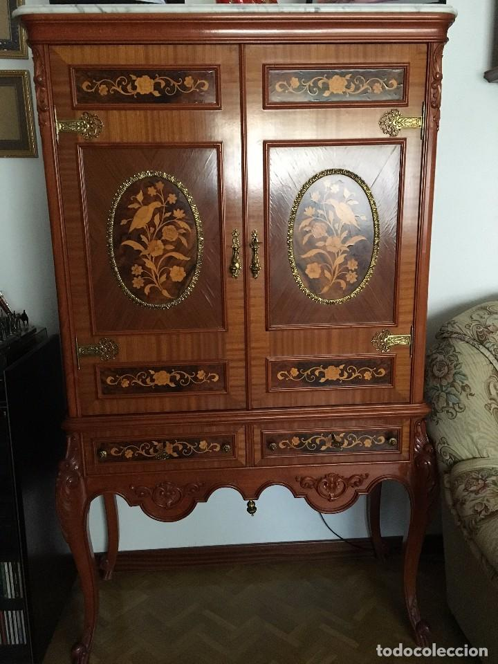 Kk antiguo mueble bar de madera tallado con ma comprar for Mueble bar madera