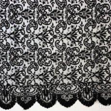 Antigüedades: GRAN MANTILLA. ENCAJE BORDADO SEMIMANUAL S. TUL. SEDA-VISCOSA. ESPAÑA.CIRCA 1920. Lote 71802143
