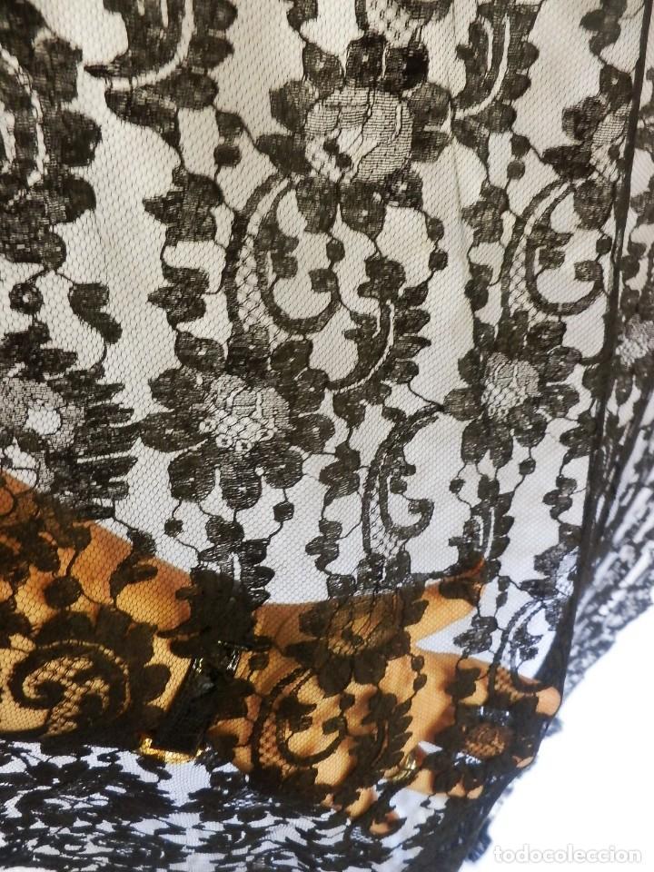 Antigüedades: 4010 Gran mantilla española de seda lasa años 1920 mide 190x80 cm - Foto 6 - 89814472