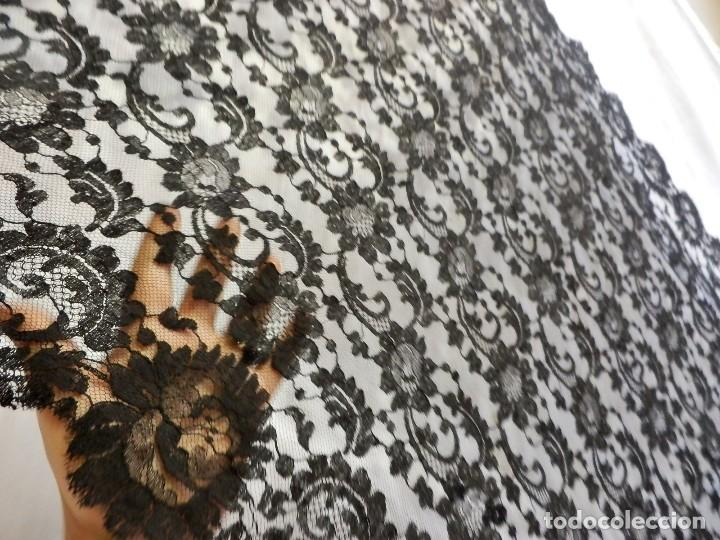 Antigüedades: 4010 Gran mantilla española de seda lasa años 1920 mide 190x80 cm - Foto 7 - 89814472