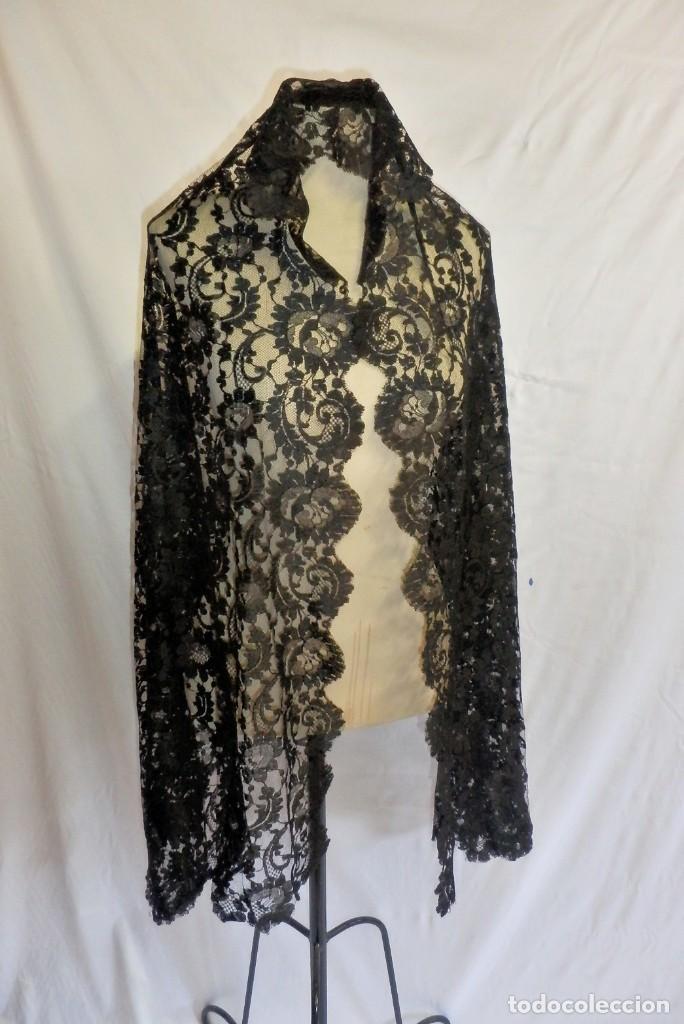 Antigüedades: 4010 Gran mantilla española de seda lasa años 1920 mide 190x80 cm - Foto 8 - 89814472