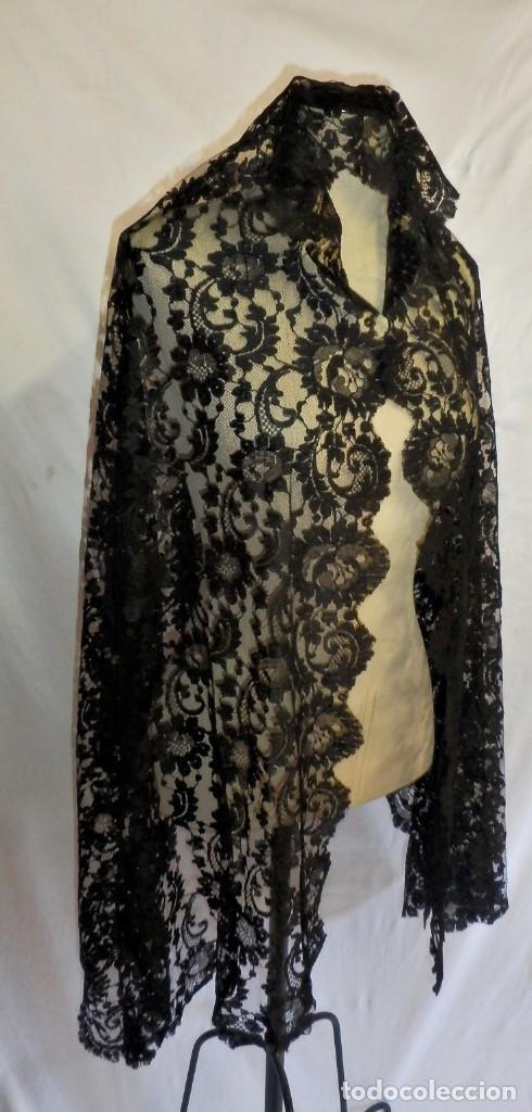 Antigüedades: 4010 Gran mantilla española de seda lasa años 1920 mide 190x80 cm - Foto 9 - 89814472