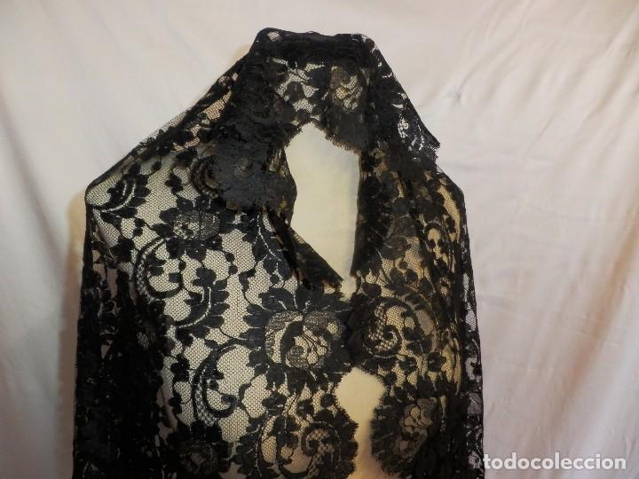 Antigüedades: 4010 Gran mantilla española de seda lasa años 1920 mide 190x80 cm - Foto 10 - 89814472