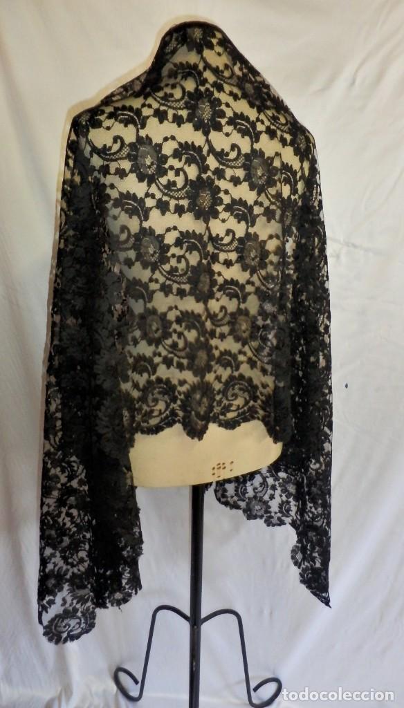 Antigüedades: 4010 Gran mantilla española de seda lasa años 1920 mide 190x80 cm - Foto 12 - 89814472