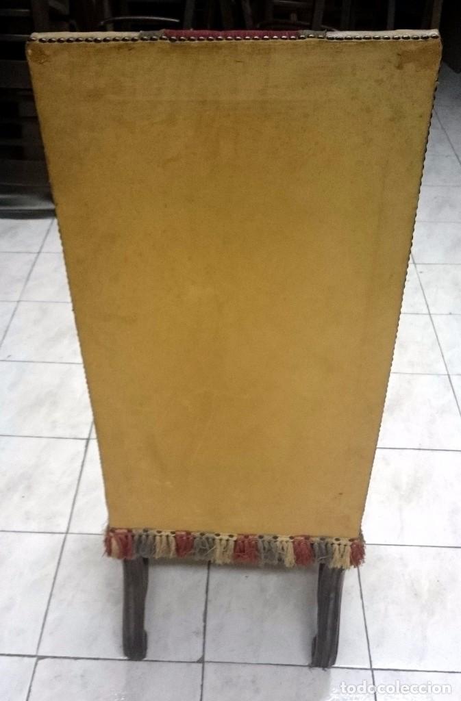 Antigüedades: Antigua silla, sillón de piel estilo imperio. En madera de nogal castellano. Siglo XIX. - Foto 3 - 89836672