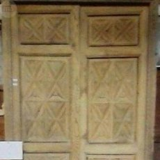 Antigüedades: PUERTA DOBLE HOJA CON MARCO TALLADA MANO. Lote 89894916
